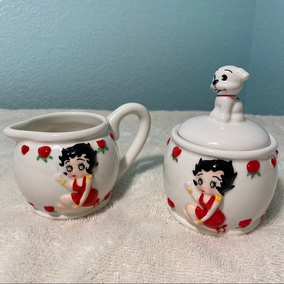 Betty Boop Other - Betty Boop Sugar and Creamer Set